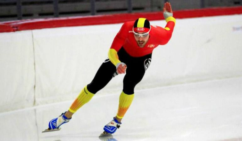 El patinador alavés compite el domingo en los 1.500 mts.