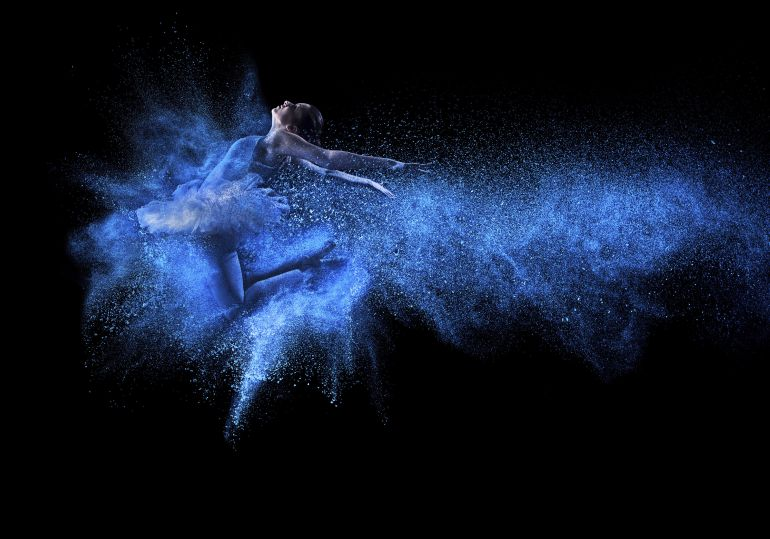 """Los profesionales de la danza de la Comunitat Valenciana presentan un estudio que define el perfil del bailarín como """"el de una mujer orquesta"""", que tiene que hacer todo tipo de trabajos para sobrevivir"""