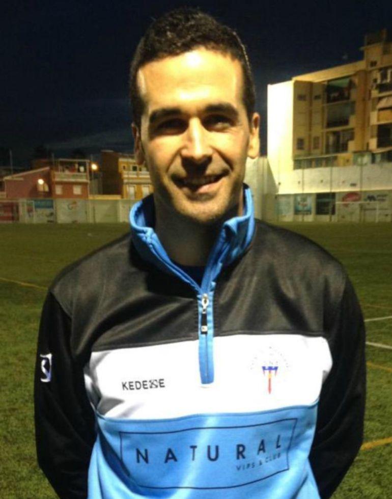 El nuevo entrenador de El Palo Fernando