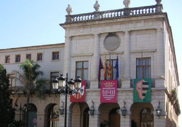 La Guardia Civil registra el ayuntamiento de Gandia
