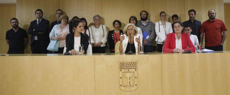 Carmena abrirá los comedores escolares y se bajará el sueldo   Radio ...