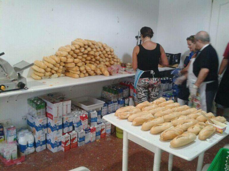 El Ayuntamiento de Málaga cobra 372 euros a una ong que reparte comida entre personas sin recursos