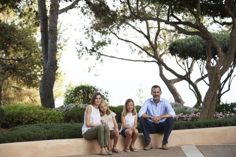 Los vecinos de palma apoyan la apertura de los jardines de for Jardines de marivent