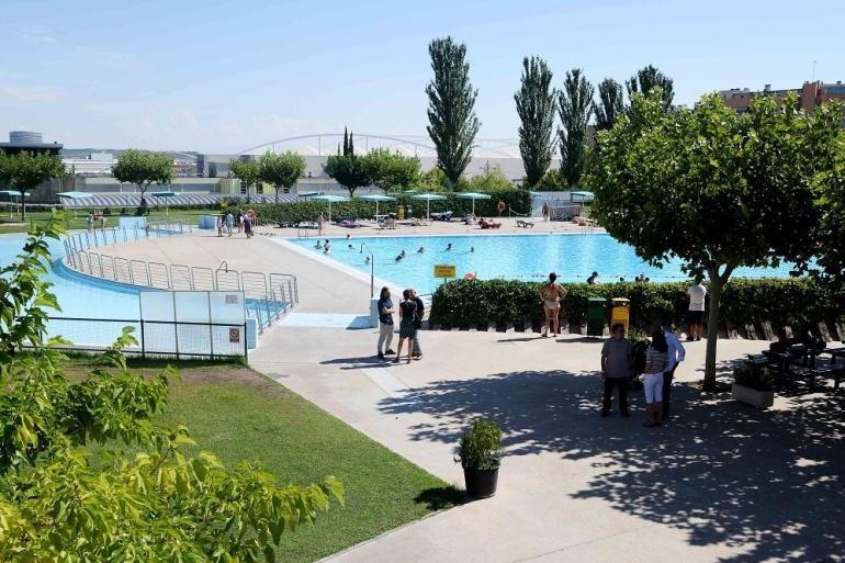 Aumenta un 20 la asistencia a las piscinas de zaragoza for Piscinas actur