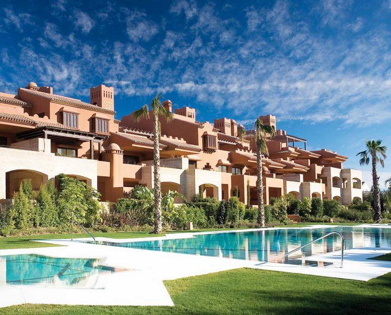 Marbella casa lujo marbella tiene la calle m s lujosa de for Mansiones de lujo en madrid
