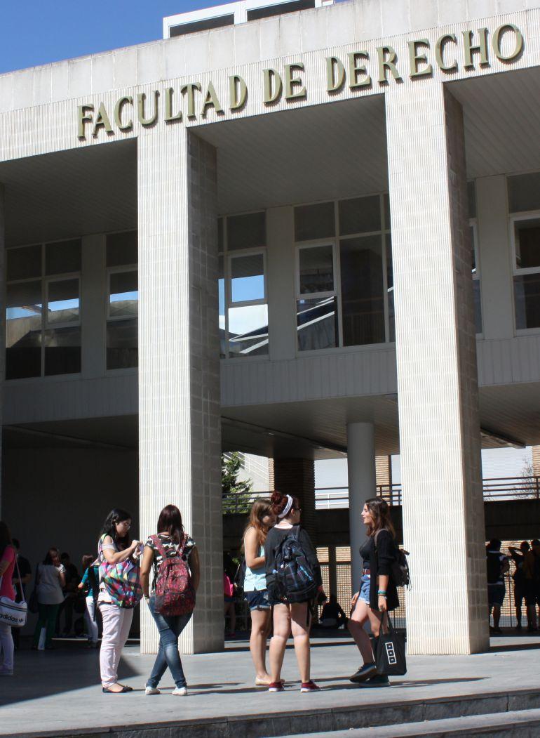 Universitarios vuelven a clase radio zaragoza - Empresas temporales zaragoza ...