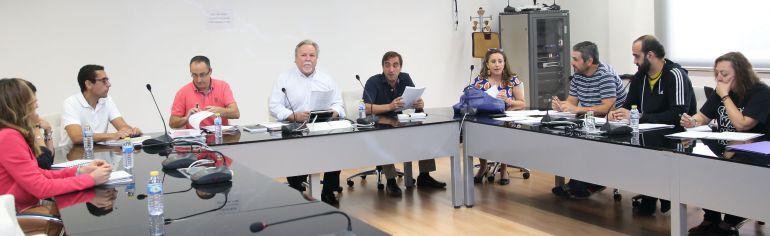 La readmisi n de los interinos despedidos por cospedal for Mesa funcion publica