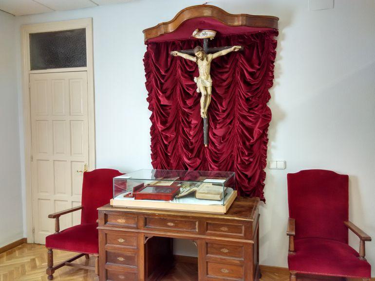 Crucifijo objeto de la controversia en el Ayuntamiento de Carrión de los Condes.