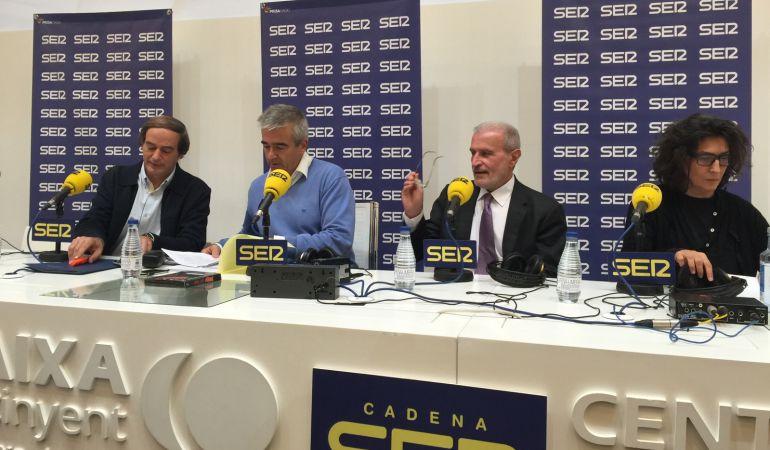 Carles francino abre 39 la ventana 39 en ontinyent radio for Cadena ser francino