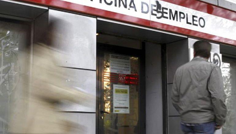 El desempleo sube en alicante y baja en la comunitat for Oficina de empleo caceres