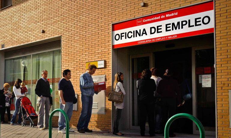 el paro sube en asturias en personas en octubre el