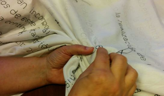 Las bordadoras de Craft Cabanyal luchan por el barrio a su manera, mostrando sus trabajos artesanales