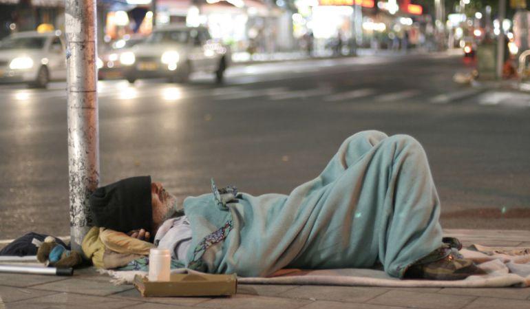 """CARITAS, DÍA DE LAS PERSONAS SIN HOGAR: ¿Cuántos """"sin techo"""" hay en la Comunitat?"""