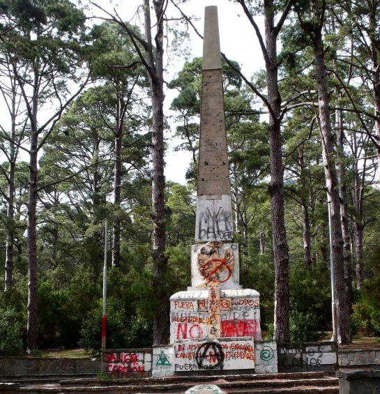 Monumento a Franco en Las Raíces