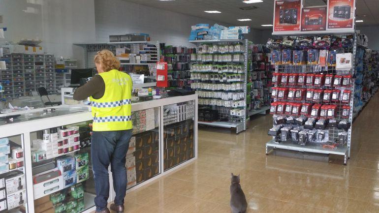 La Policía Local interviene unos 6.000 productos de telefonía