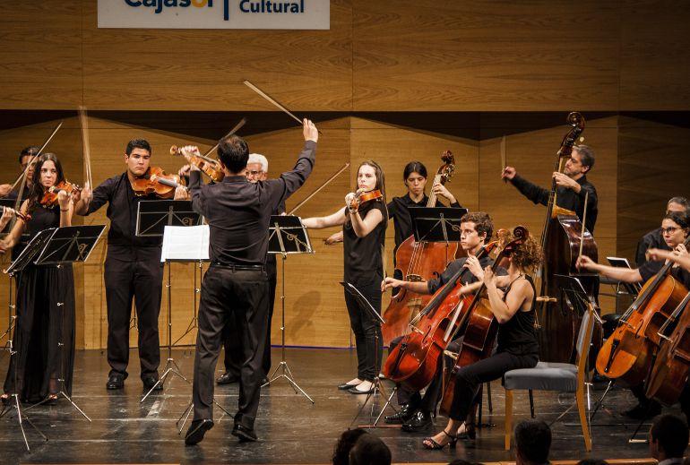 La joven orquesta barroca de sevilla con la navidad for Villas navidenas liverpool