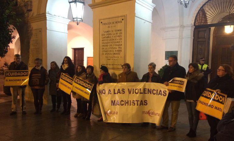 Concentración de la Asociación Malvaluna en Mérida