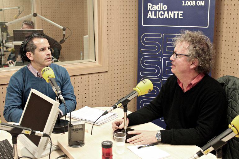 John Sanderson, profesor de la Universidad de Alicante