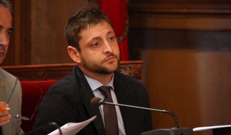 Rubén Viñuales al ple municipal del passat 13 d'octubre del 2015