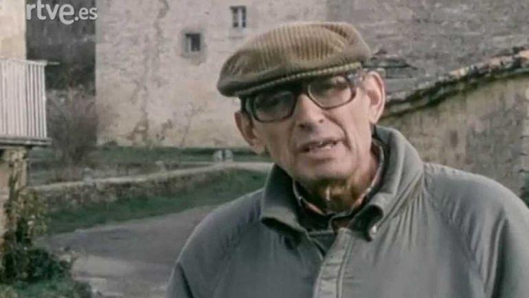 El escritor vallisoletano Miguel Delibes, en 1981