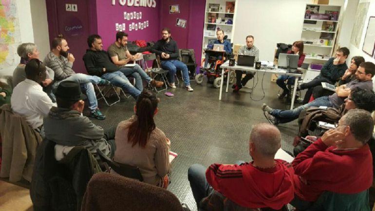Imagen de una reunión del Consejo Ciudadano de Podemos Aragón