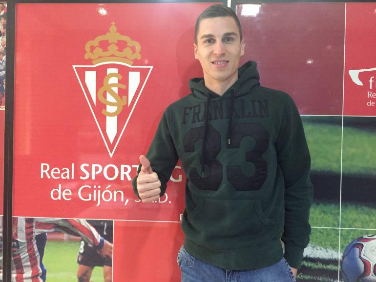 El Sporting ficha al central bosnio Ognjen Vranjes