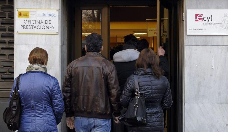 Epa valladolid el paro cae en 2015 y se sit a en las 40 for Oficina empleo valladolid