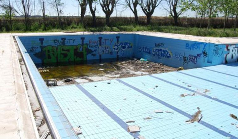 Legan s estudiar el coste de reconstruir la piscina for Coste piscina