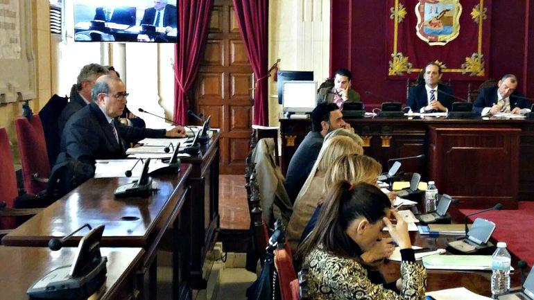 Segunda sesión de la comisión de investigación de Limasa con la comparecencia del gerente de la sociedad, Rafael Arjona