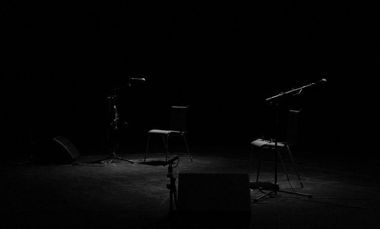 Escenario vacío a la espera de una actuación