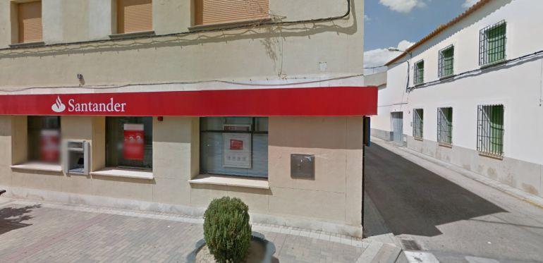 Cu ntas oficinas cerrar banco santander en castilla la for Oficina zona azul talavera