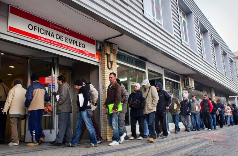 el paro baja en asturias en personas en marzo ser