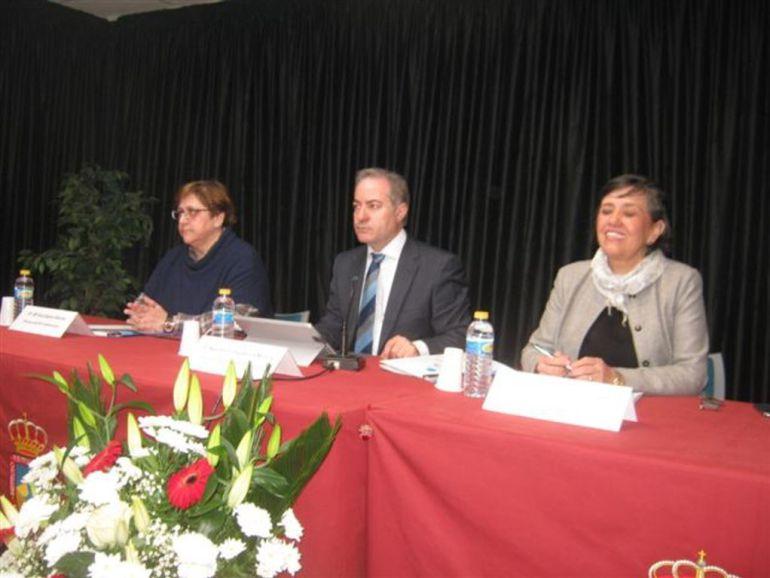 El director de Formación Profesional de la Junta, Agustín Sigüenza, participa en el acto de promoción del Instituto de Fuentesnuevas
