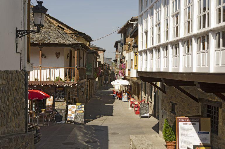 Vista del municipio berciano de Molinaseca