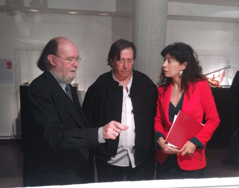 Joaquín Díaz y Luis Delgado, comisariados de la exposición junto a la Concejal de Cultura, Ana Redondo