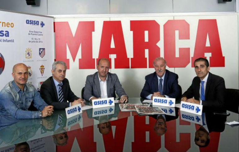 Vicente del Bosque fue la estrella invitada a la presentación del Torneo ASISA de León