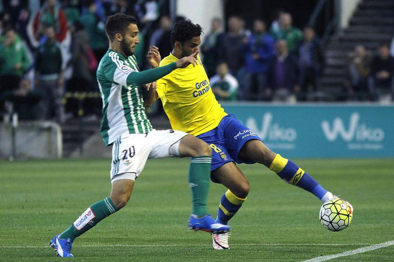 La UD Las Palmas perdió con diez jugadores ante el Betis (1-0)