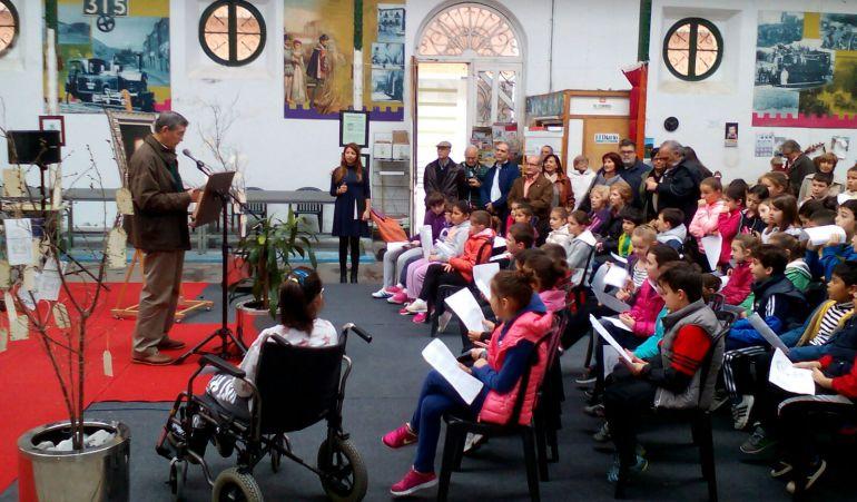 Castro urdiales inaugura el d a del libro ser castro urdiales cadena ser - Libreria cervantes torrelavega ...