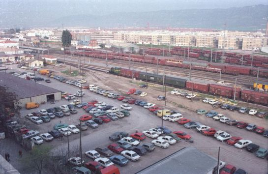 1989 - Panorámica de las vías cruzando la ciudad. Archivo Histórico Municipal del Ayuntamiento de Córdoba