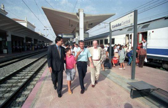 1994 - Herminio Trigo y Martínez Bjorkman en la antiguaEstación de Córdoba