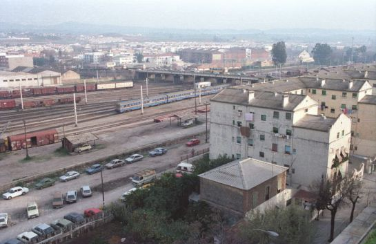 1989 - Panorámica de la división de la ciudad por las vías