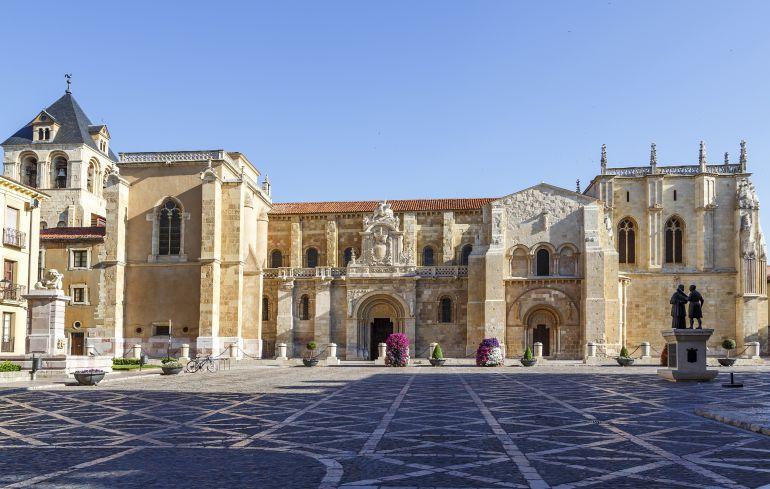 Tras las paredes de San Isidoro (I): Tras las paredes de San Isidoro (I)