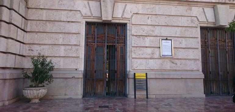 La oficina de turismo vuelve al ayuntamiento radio for Oficina de turismo de palencia