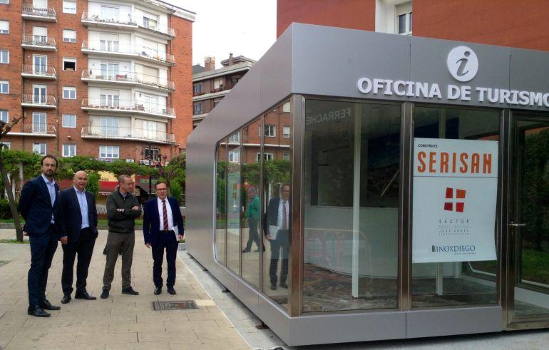 torrelavega instala una nueva oficina de turismo en