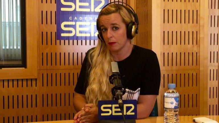 Rosa Liarte en los estudios de la Cadena SER en Málaga
