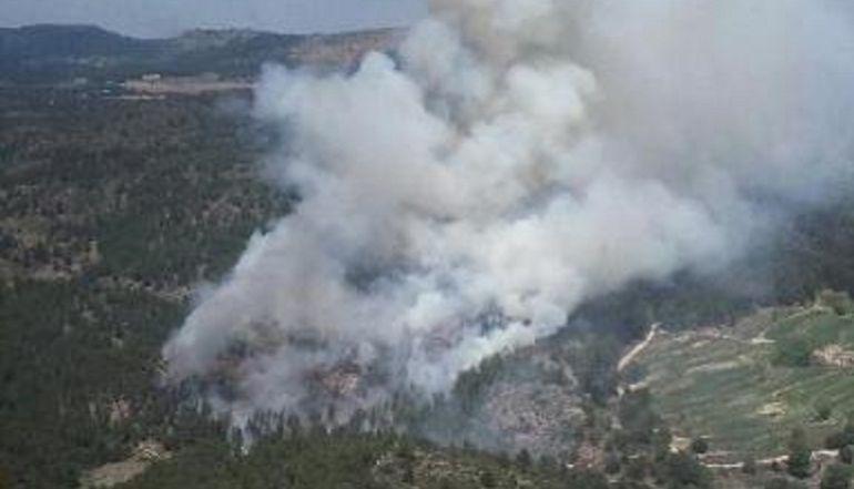 El incendio de los Arribes obliga a evacuar la localidad de Bermillo de Alba.
