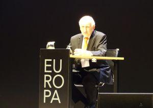 Leopoldo Abadía, durante su ponencia.