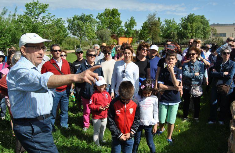 Visitando el jard n bot nico radio albacete cadena ser for Jardin botanico albacete