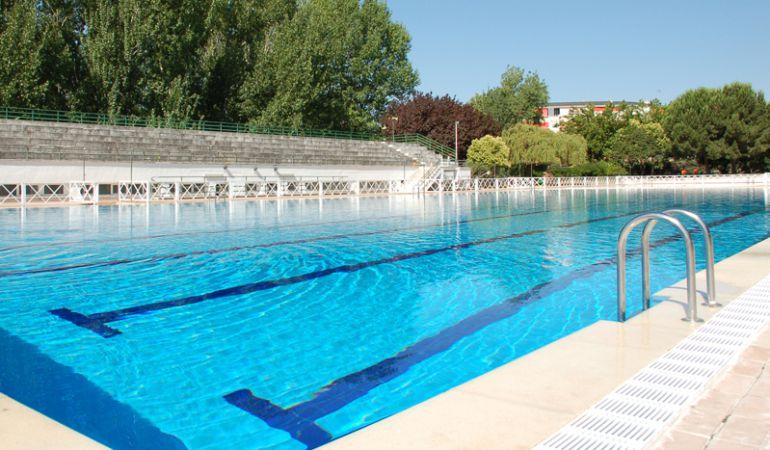 Llega el momento de poner la piscina a punto ser madrid for Piscinas norte