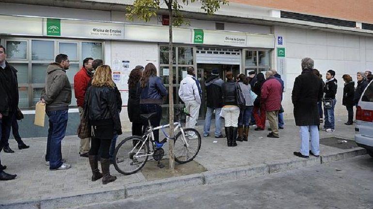 sevilla despide el mes de mayo con desempleados